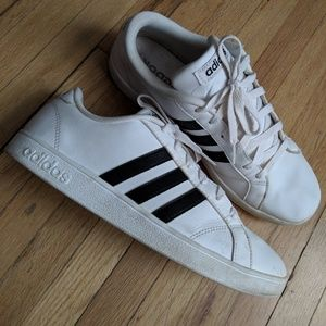 Adidas Sneakers Black white lace up old school